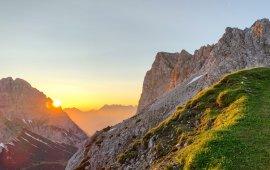 Sonnenaufgang am Berg, © Tirol Werbung/Jannis Braun