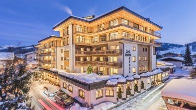 Hotel Zentral Kirchberg Aussen Nacht Winter