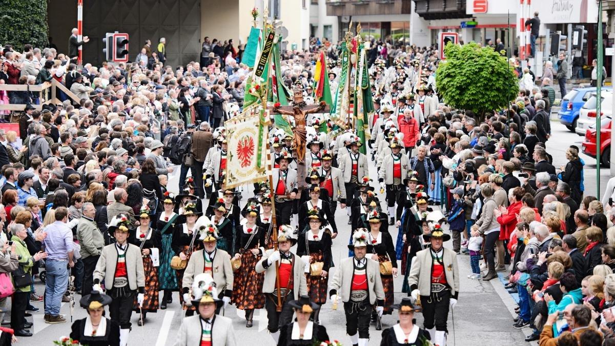 """Der Name Gauder Fest hat zwar nichts mit der """"Gaudi"""", dem Tiroler Wort für Freude zu tun, jährlich bis zu 30.000 Besucher empfinden aber dennoch zweifellos eine solche., © Zillertal Bier"""