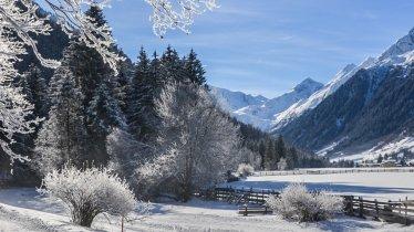 Winterwanderung im Gschnitztal, © Joakim Strickner
