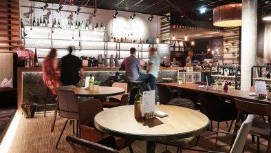 arte Hotel Kufstein - Bar am Abend