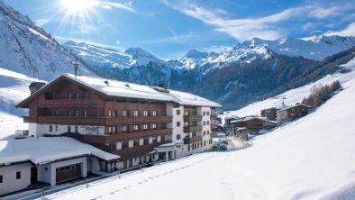 Hotel Alpenhof im Winter