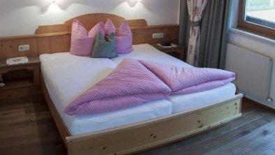 Schlafzimmer Top 2