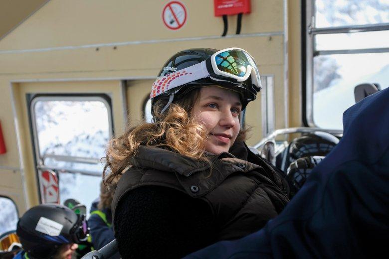 Vorfreude: Linnea, 14 Jahre, zum ersten Mal in der Gipfelgondel.