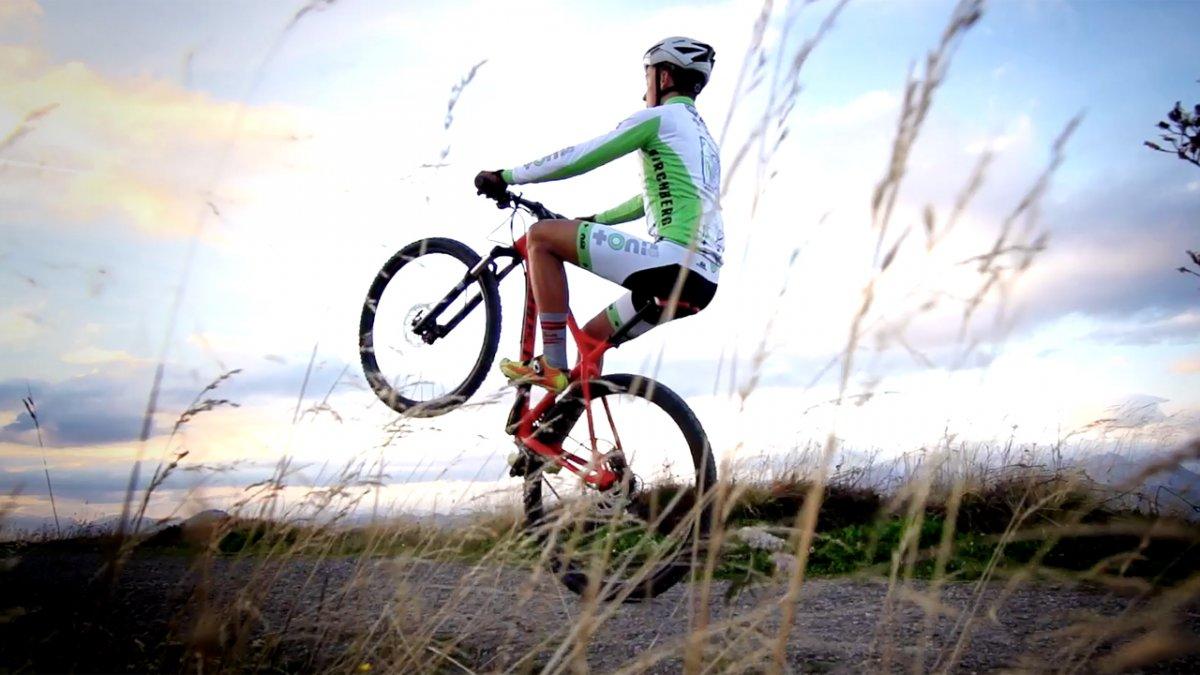 MTB Fahrtechnik Training (10): Mountainbike Wheelies