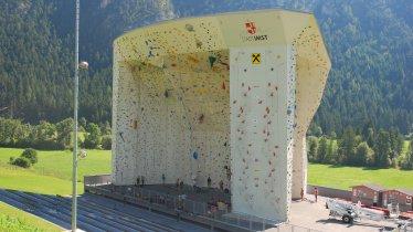 """Outdoor-Anlage """"Sonnendeck"""" im Kletterzentrum Imst, © Andy Knabl"""