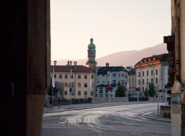 Blick von der Höttinger Gasse auf die Innsbrucker Altstadt