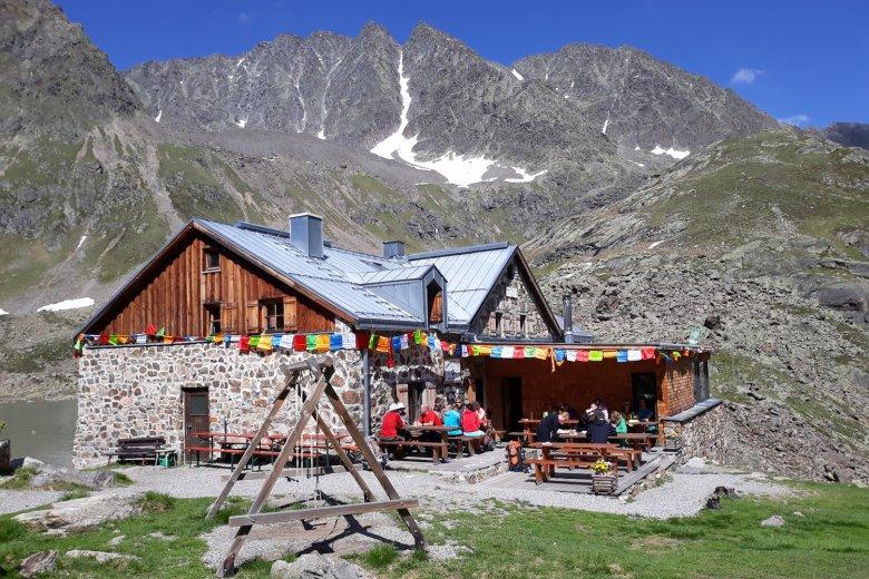 Die Winnebachseehütte in den Stubaier Alpen. Foto: Winnebachseehütte, © Winnebachseehütte