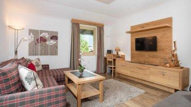 Wohnraum mit Flat-TV, © Ferienwohnung Karwendel