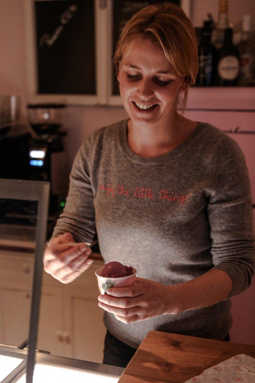 Die Nachfrage nach dem köstlichen Eis von Silvia reißt auch im Winter nicht ab.