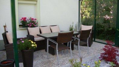 Gemütliche Sitzecke im Garten, © Eigenes Foto