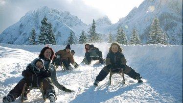 Rodeln in den Lienzer Dolomiten, © Osttirol Werbung
