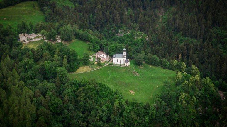 Romedikirchlein und Schlossruine Thaur, © TVB Region Hall-Wattens