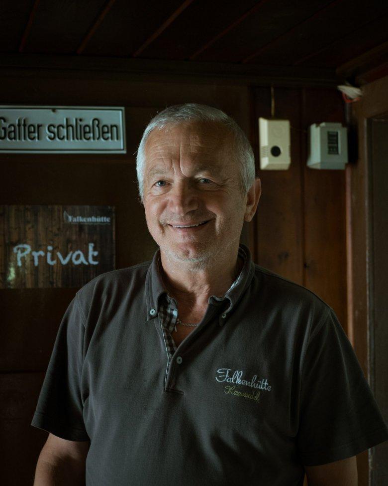 """Die Familie von Fritz Kostenzer führt die Falkenhütte mittlerweile in der dritten Generation. """"Die Hütte ist mein Heimathaus."""""""