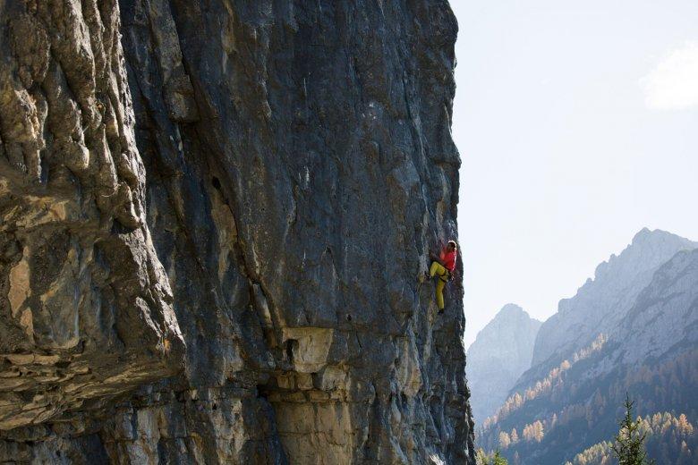 In der Route Another Play in Paradise bei der Dolomitenhütte in Osttirol.