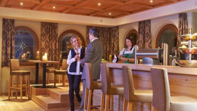 Alpeiner Nature Resort-Hotelbar.jpg
