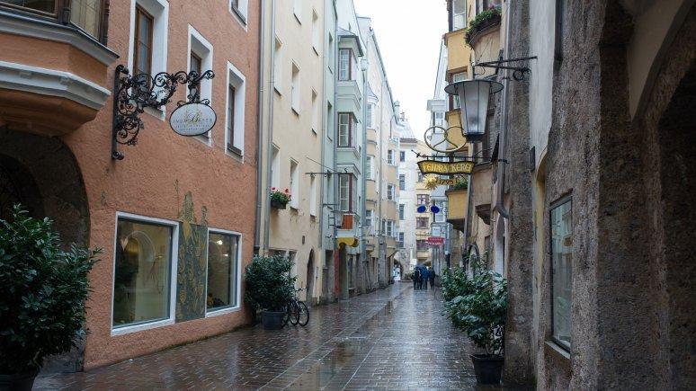 Regenwetter in der Innsbrucker Altstadt, © Tirol Werbung/Ruth Wytinck