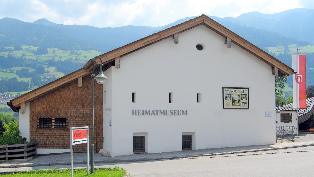 """Stille Nacht, heilige Nacht"""" ist zwar in Salzburg entstanden, hat aber vom Zillertal aus seinen Triumphzug um die Welt angetreten. Im Museum in der Widumspfiste wird unter anderem die Geschichte des berühmtesten Liedes der Welt dokumentiert., © Heimatmuseum"""