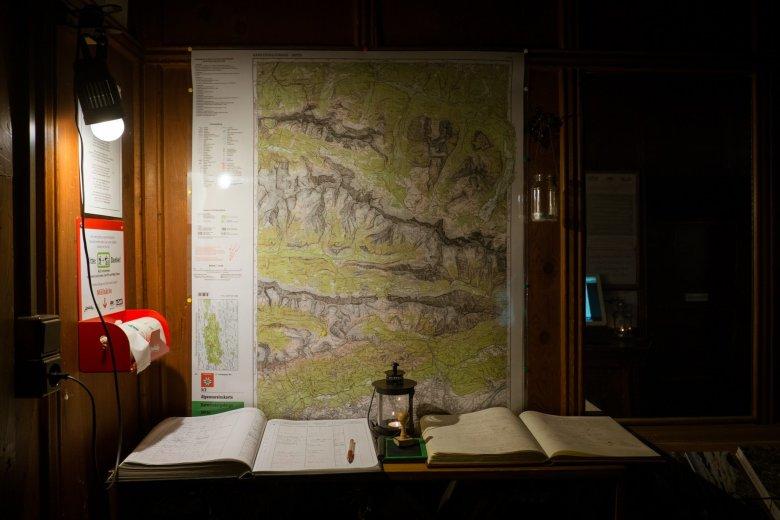 Michl und Vroni sind begeisterte Berggeher und kennen die Touren rund um die Hütte in- und auswendig.