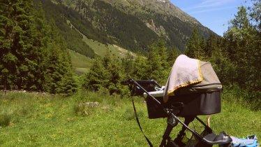 Mit dem Kinderwagen auf die Gleirschalm im Sellrain, © Tirol Werbung