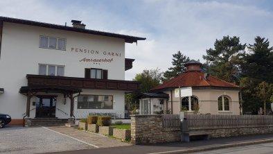 Pension Amraserhof weitere Aussenansicht