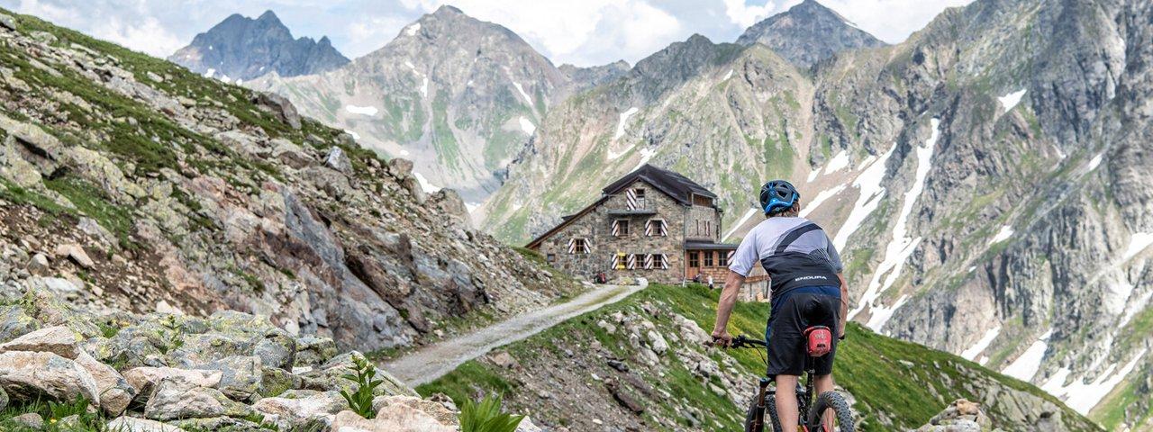 Mountainbiken in St. Anton am Arlberg: Darmstaedterhütte, © TVB St. Anton am Arlberg / Patrick Bätz