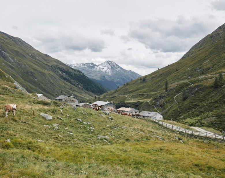 Im Jahr 1212 wurde der Komplex im Nationalpark Hohe Tauern, am Ende des Osttiroler Defereggentals erstmals urkundlich erwähnt.