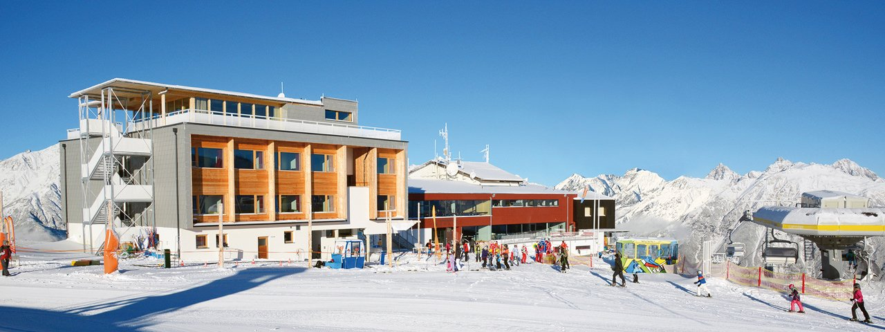 Venet Gipfelhütte im Winter, © Venet Bergbahnen/fotosandra