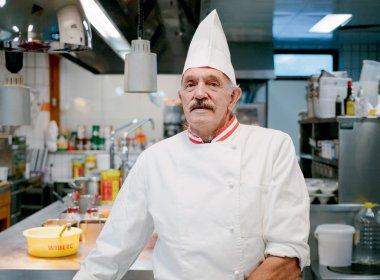 Josef Tipotsch kocht im Hotel Jäger in Tux.