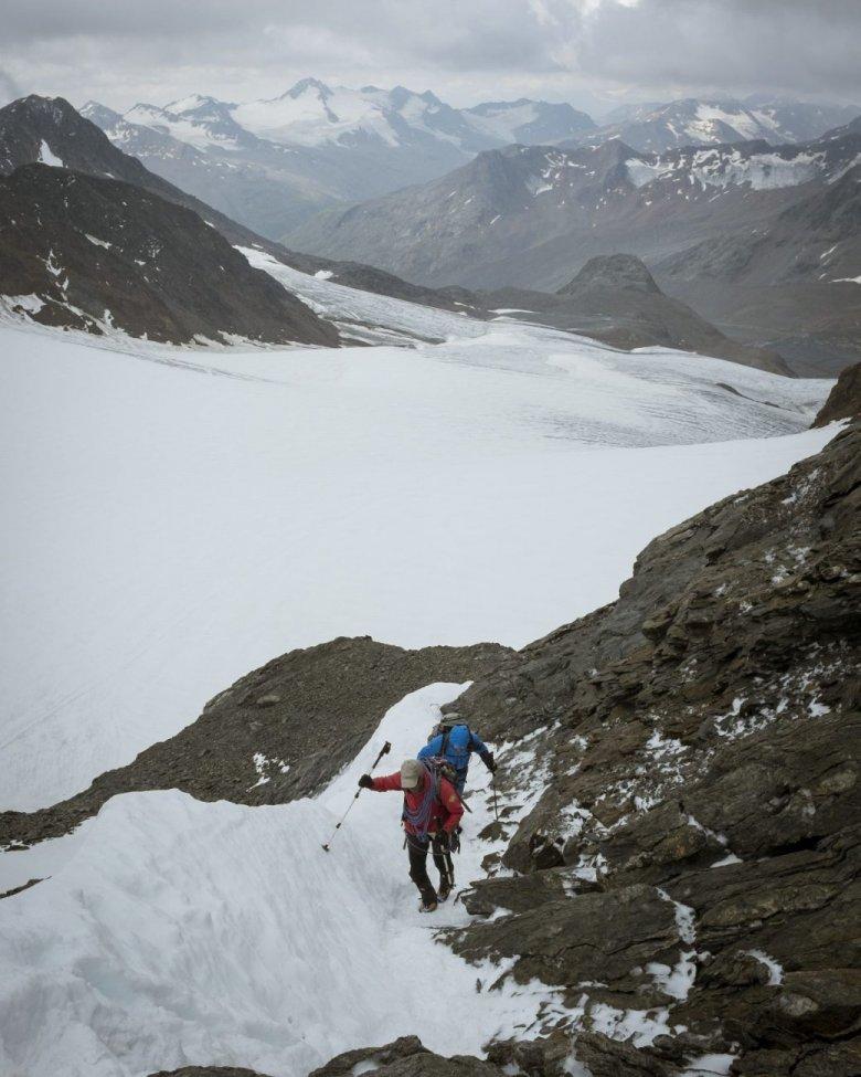 """""""Steine gibt's auf jedem Berg. Wir haben Gletscher."""""""