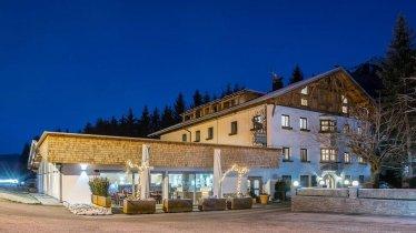 Nachtaufnahme vom Hotel Hirschen