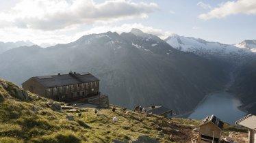 Olpererhütte in den Zillertaler Alpen, © Tirol Werbung/Jens Schwarz