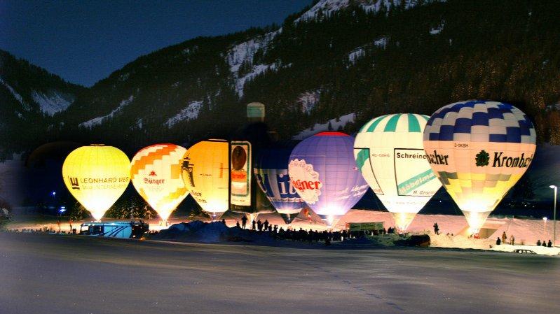 Ballonglühen beim Ballonfestival im Tannheimer Tal, © Tourismusverband Tannheimer Tal