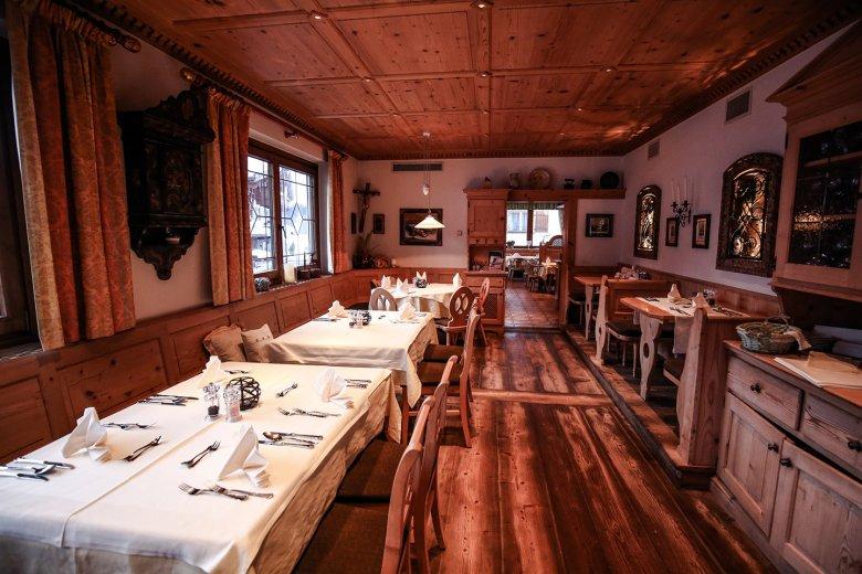 Sehr einladende Gasträume im Restaurant Föhrenhof.