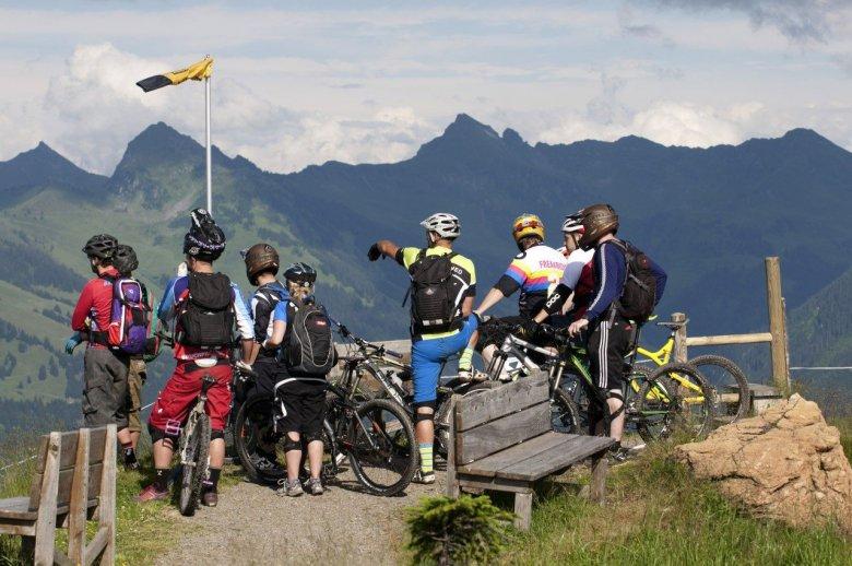 Bikeacademy-Gruppe nahe der Fleckalm. , © Tirol Werbung, Michael Werlberger