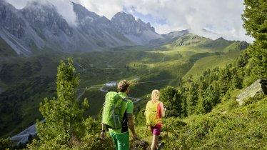 Am Weg zur Adolf-Pichler-Hütte, © Innsbruck Tourismus/Christian Vorhofer