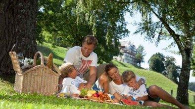 Schlossblick am Campingplatz in Volders