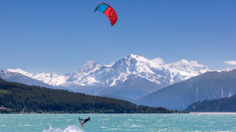 Kitesurfen am Reschensee, © IDM Suedtirol -  Frieder Blickel