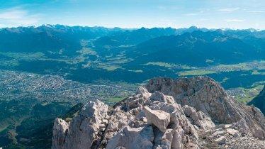 Blick auf Innsbruck von der Brandjochspitze, © Innsbruck Tourismus / Helga Andreatta