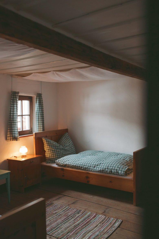 Mit der Sanierung des Mesnerhofs zu einer modernen Interpretation des Matratzenlagers hat Georg Gasteiger seine Erfüllung gefunden.
