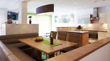 Wohnküche im Aparmtent Ammonit, © Christian Waldegger