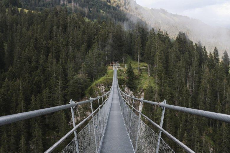 Die Hängebrücke bei Holzgau im Lechtal.