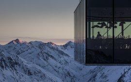 Restaurant Ice Q im Gletscherskigebiet Sölden, © Ötztal Tourismus/Rudi Wyhlidal