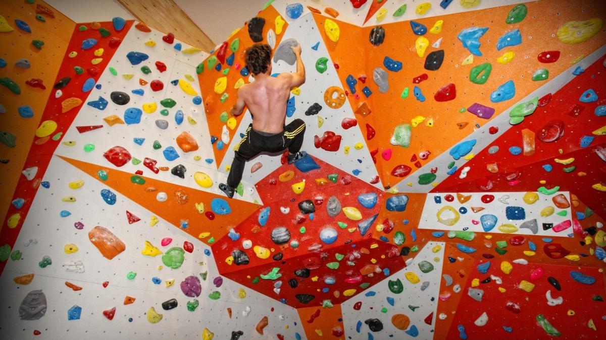 Im Kletterzentrum Zillertal werden Vorstiegs- und Boulderfreunde glücklich – in der Halle wie auch auf der Outdoor-Anlage., © Erste Ferienregion im Zillertal