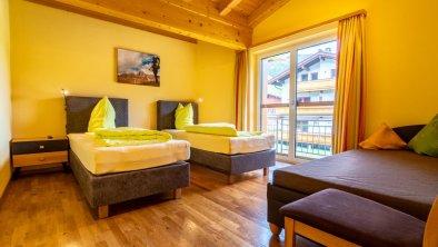 Schlafzimmer mit flexiblen Boxspringbetten