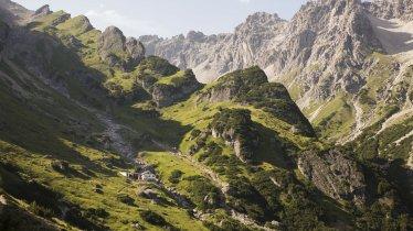 Looking towards the Muttekopfhütte hut in Hoch-Imst, © Tirol Werbung/Bert Heinzlmeier