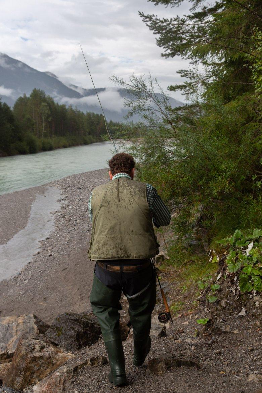 Wenn es regnet, sind eher weniger Insekten auf dem Wasser und das bedeutet keine Fische an der Angel.