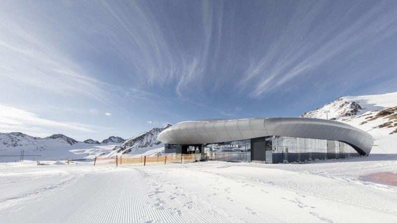 Talstation der Wildspitzbahn am Pitztaler Gletscher, © Tirol Werbung/Gregor Sailer