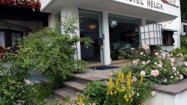Eingang Hotel Helga Seefeld in Tirol