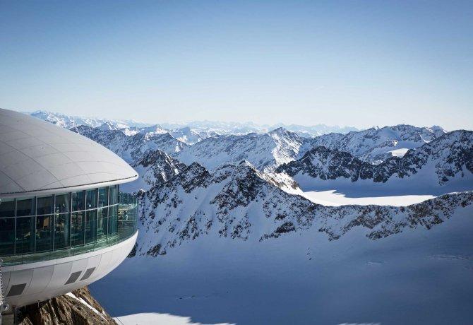 Cafe 3.440 am Pitztaler Gletscher, © Tirol Werbung/Lisa Hörterer